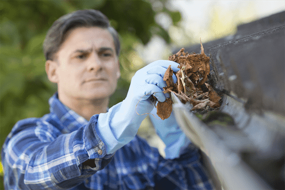 How Gutter Cleaning Tongs Can Help