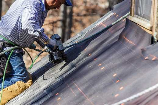 local roof contractor for repair and renovations