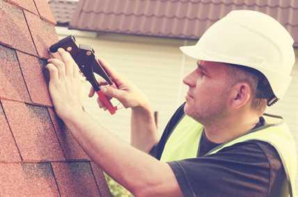 Choose Local Roofing Contractors in Winnipeg.