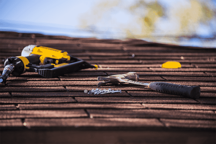 7 Easy Steps on How to Lay Roof Shingles All by Yourself