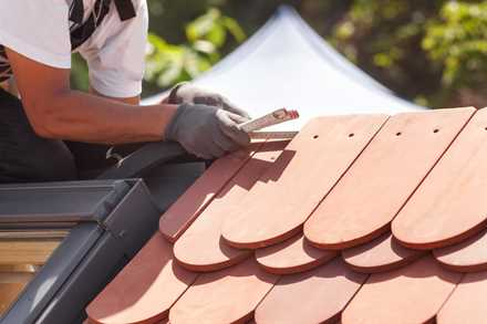 roof and siding installation contractor